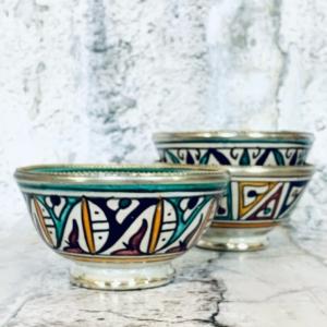 Marokkansk håndlavet keramikskål med metalkant - Odina
