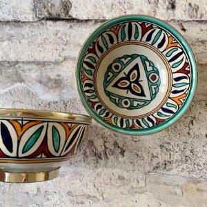 Marokkansk håndlavet keramikskål med metalkant - Odina, mix.